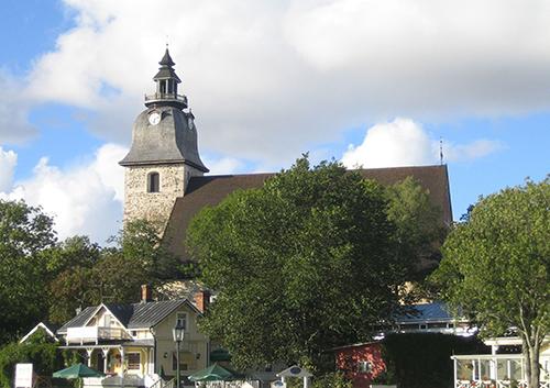 Naantalin kirkko ulkoapäin kuvattuna